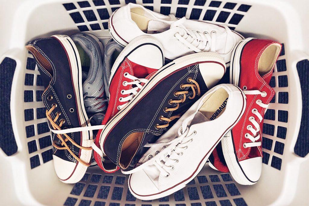 履いていない靴を整理する